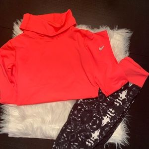 NWOT Nike Pro Dri-Fit. Fleece lined. Sm. Cowl neck